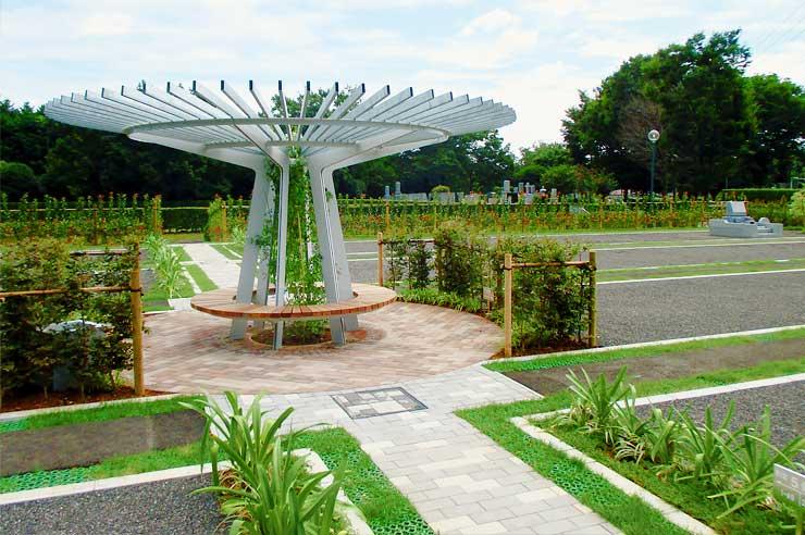 81区の特長:パーゴラを中心としたゆとりある空間