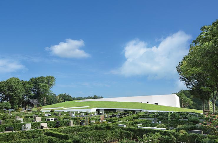 武蔵野の自然に抱かれた高級公園墓地